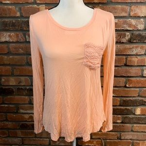🌻 NWT So Relaxed Fit Scoop Neck Tee Lace Pocket